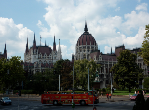 Hop on Hop off Bus Tours Budapest To do