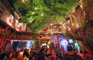 Fogashaz Ruin Bar Budapest Night
